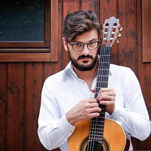 Andrea Andrian, chitarra classica